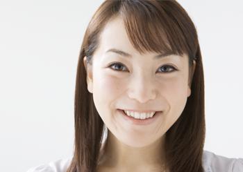 小さなムシ歯から少数歯の欠損まで、軽度の歯周疾患(昔でいう歯槽膿漏)を含め、インレー(詰め物)・クラウン(被せ物)・ブリッジ(架橋義歯)・局部義歯(部分入れ歯)・簡単なスケーリング(除石)を対象と考えてください。 この程度の治療であれば、時間的にも経済的にも負担は少なくて済みます。 ムシ歯の程度によっては、歯を残す為に歯髄処置(神経の治療)や、根尖病巣の治療、そのほか複雑な処置が発生する場合があります。 どちらにしても痛くないからと、ムシ歯を長期にわたって放置することは最終的に本人がつらくなります。 軽い風邪なら体が治してくれますが、歯科の病気は自然には治りませんので、早期治療をおすすめします。
